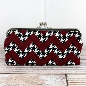 NWT    *BOUTIQUE*    CHEVRON & HOUNDSTOOTH CLUTCH